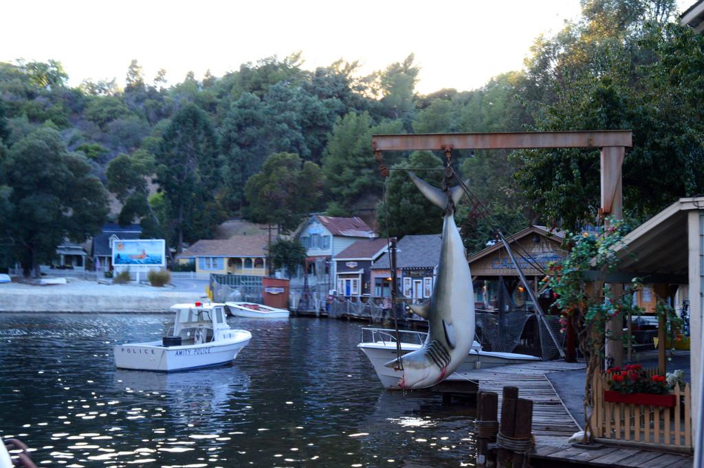 Village des dans de la mer