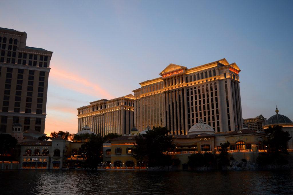 Caesar's Palace au coucher du soleil