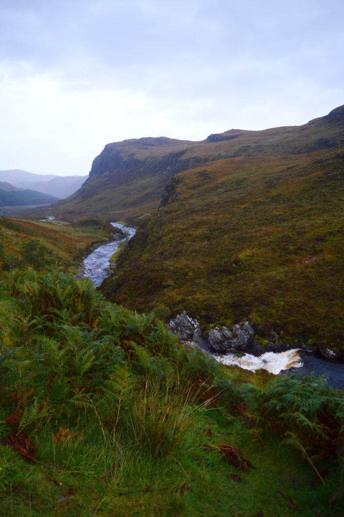 rivière et paysage près d'ullapool