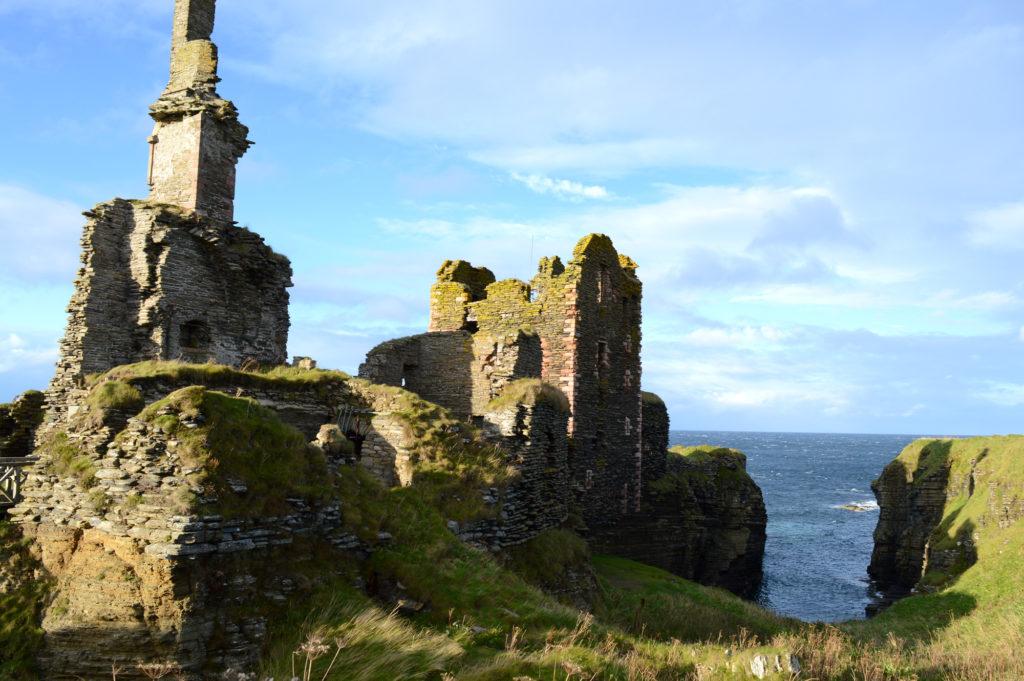 château Sinclair et Girnigoe avec la mer