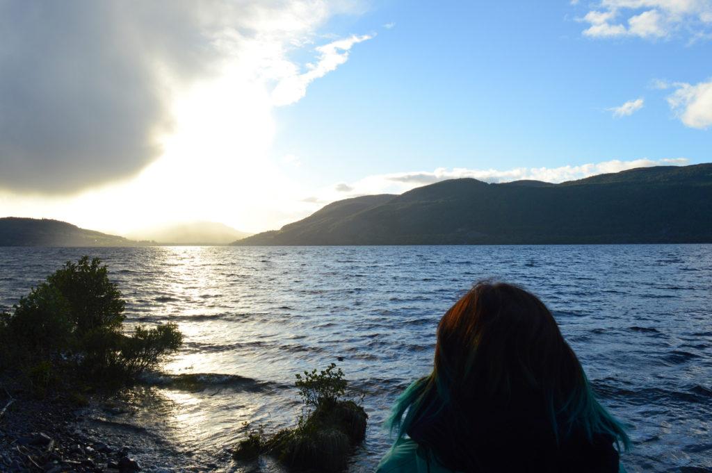 coucher de soleil sur le loch ness