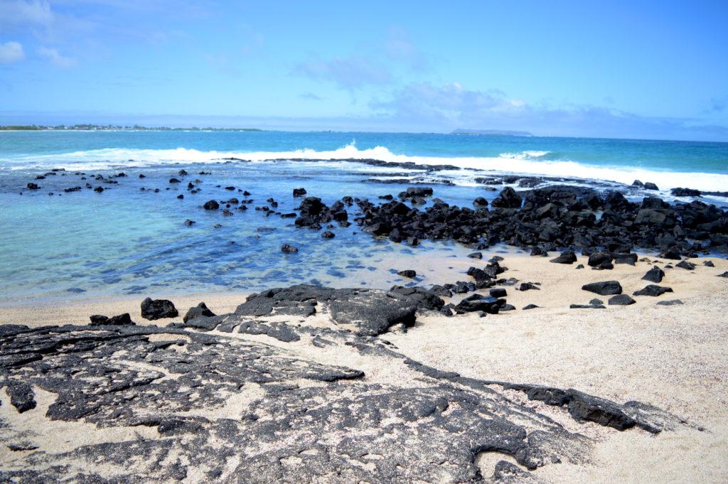 plage volcanique