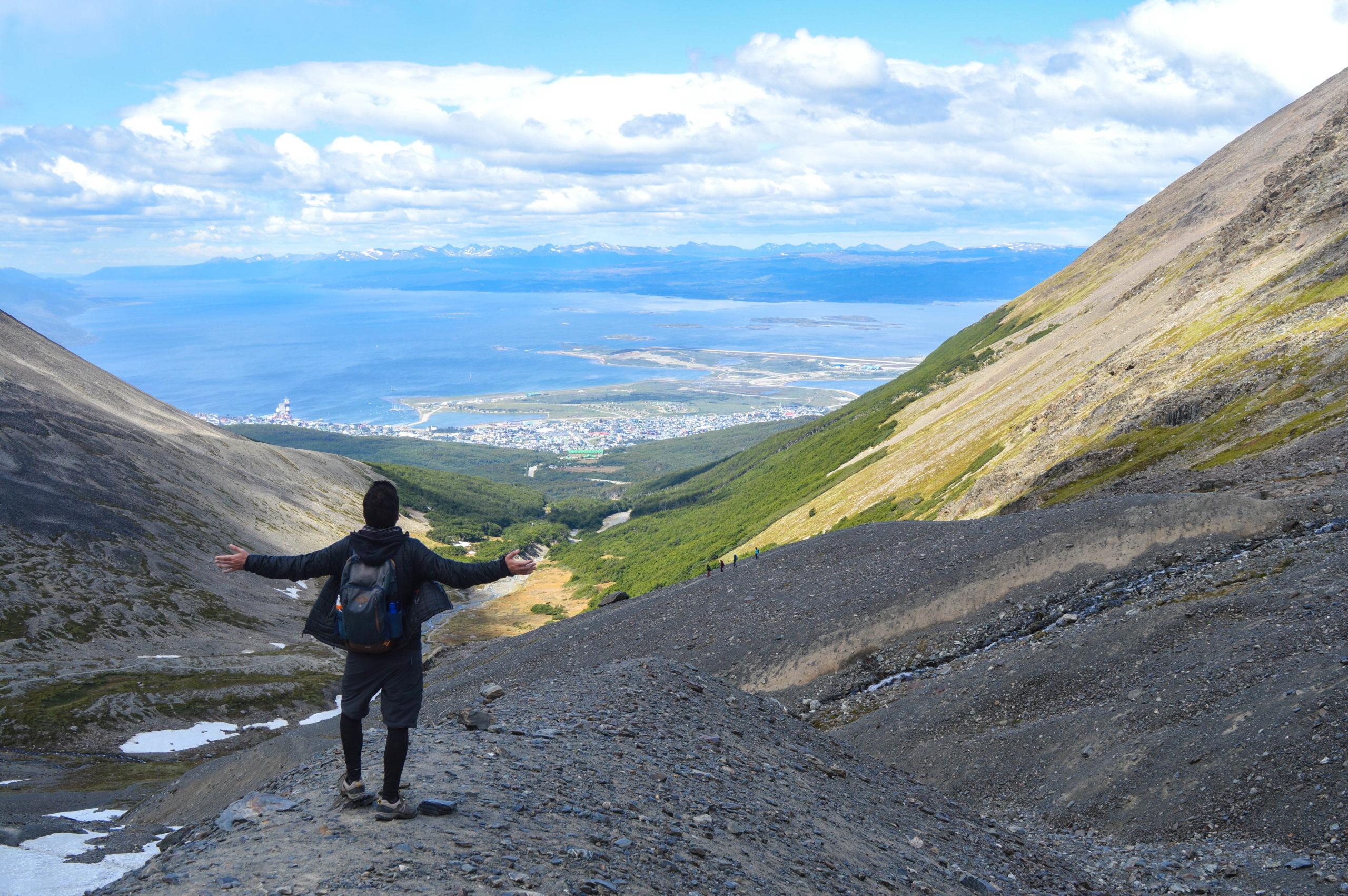 manu devant vue sur ushuaia