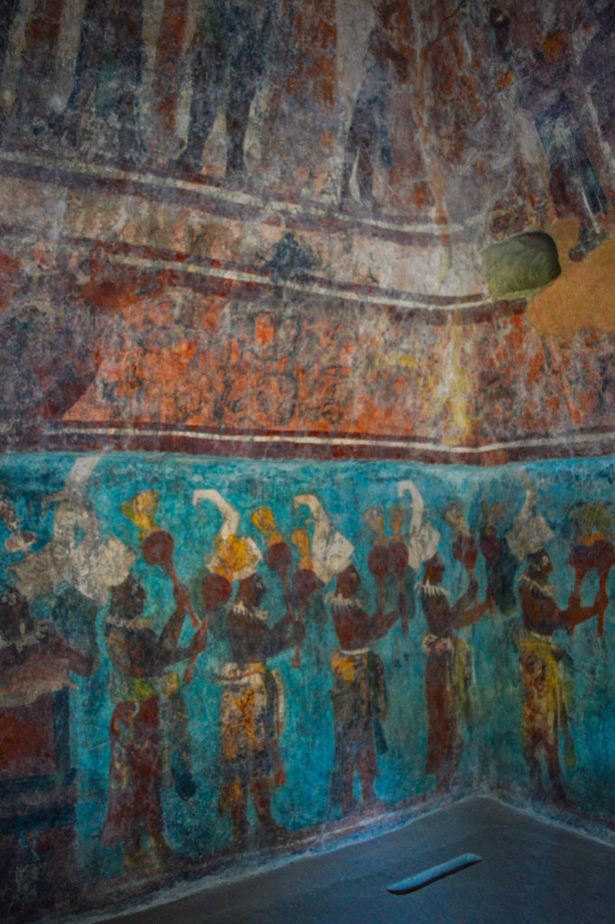 peinture colorée maya à bonampak, chiapas, mexique