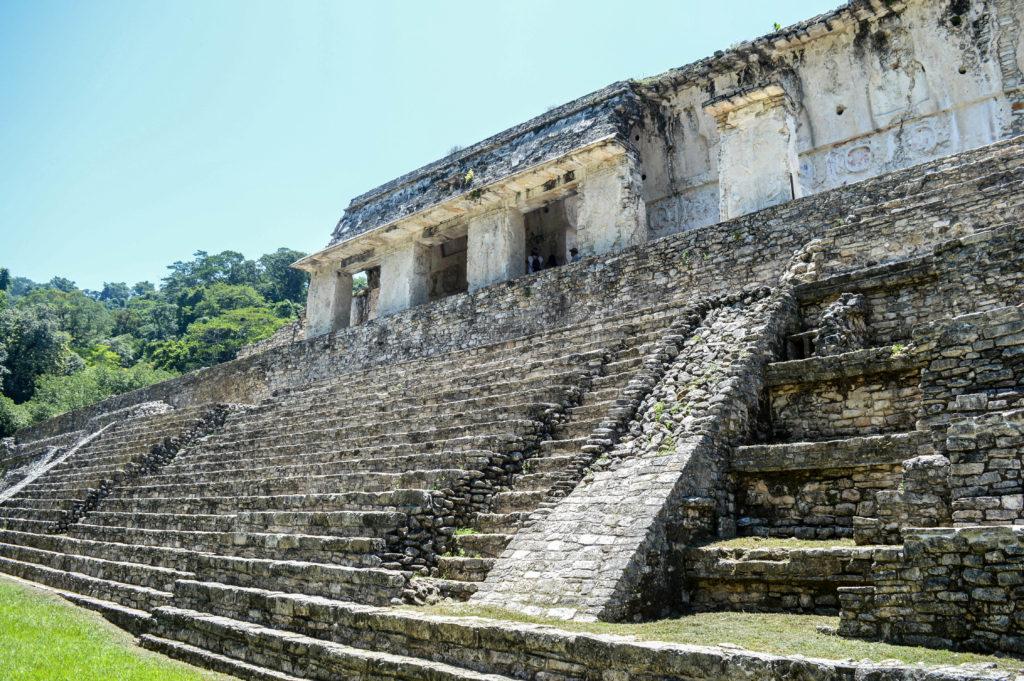 ruines mayas à palenque, visite au chiapas, mexique